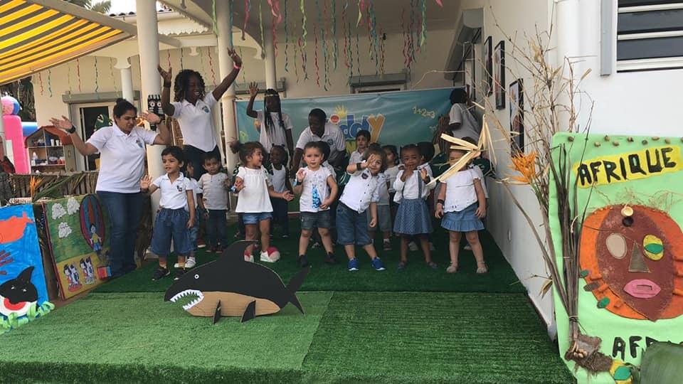 Activités extra scolaires, éveil musicale, art, activités sensorielles, rire, yoga...
